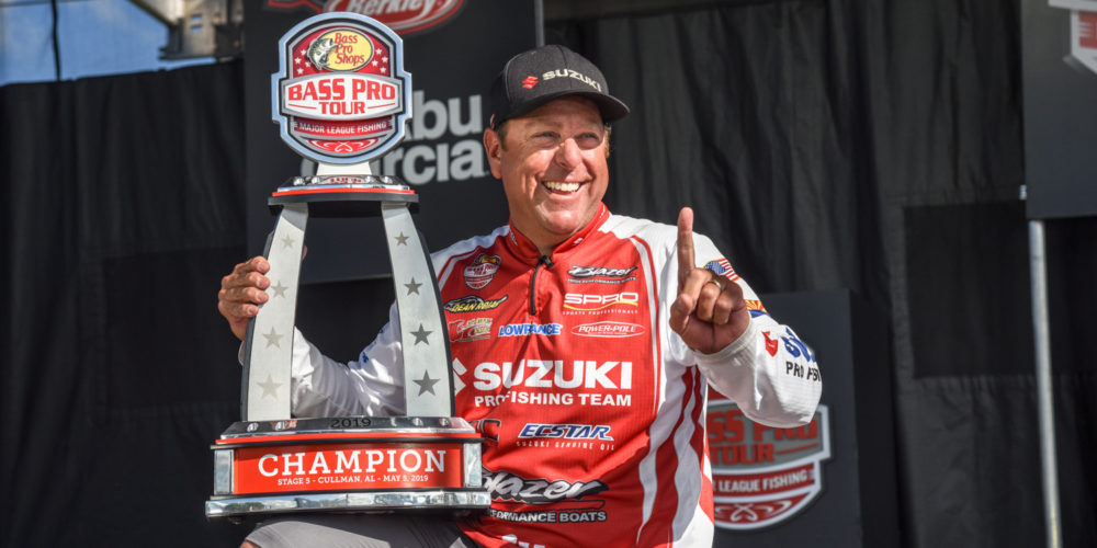 Image for Rojas Rides Morning Shad Spawn to Win on Smith Lake