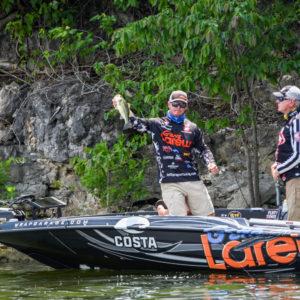 MLF pro Jeff Sprague shows off a catch on Table Rock Lake. Photo by Garrick Dixon.