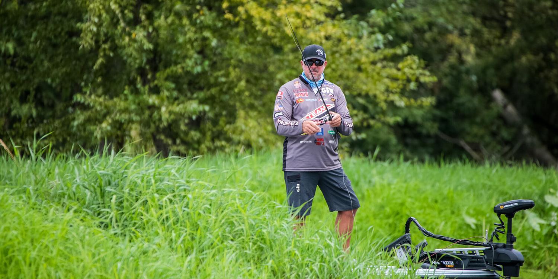 Breaking Down Fall Grass Fishing with Randall Tharp