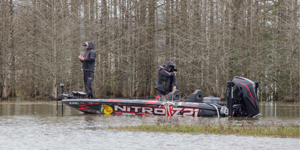 Image for KEVIN VANDAM: Fast-Fluctuating Eufaula Kept Me on the Fly