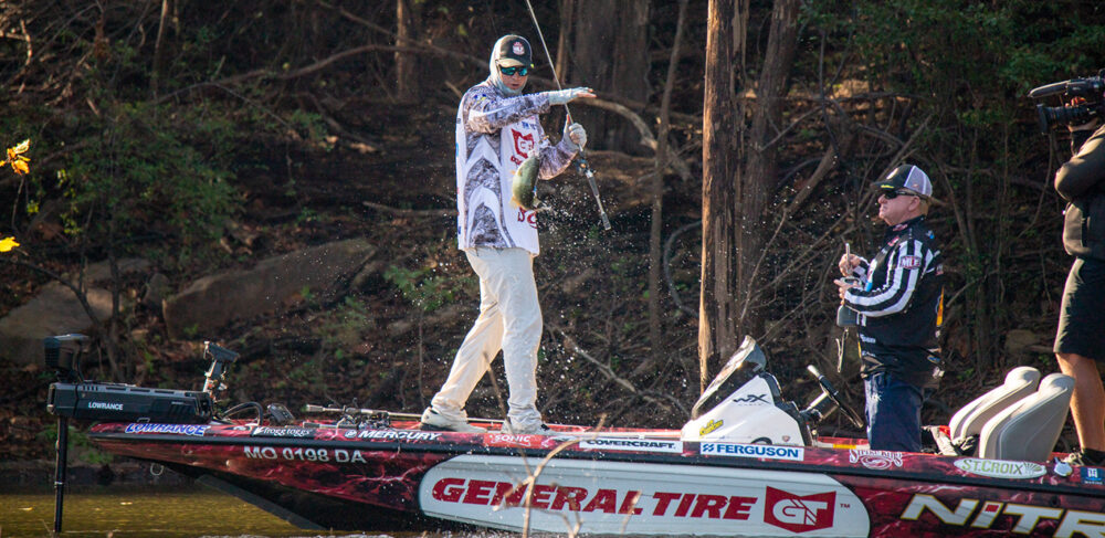 Image for Meyer First to Target Weight; Chapman, Lee & Martens Clinch Championship Round