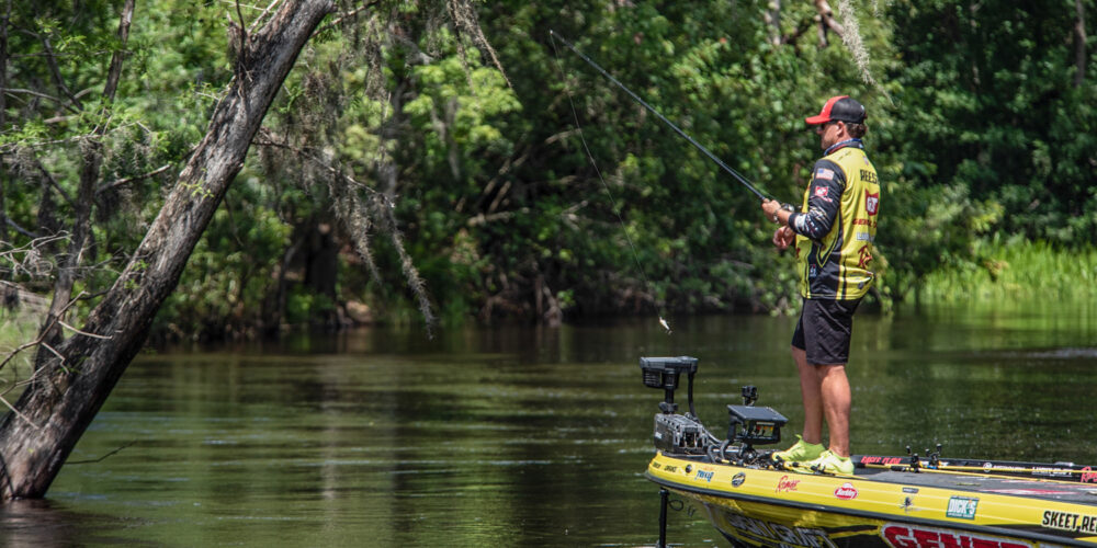 Image for Reese Rises to Top in Kissimmee, Rose Lands Biggest Bass of Day 2