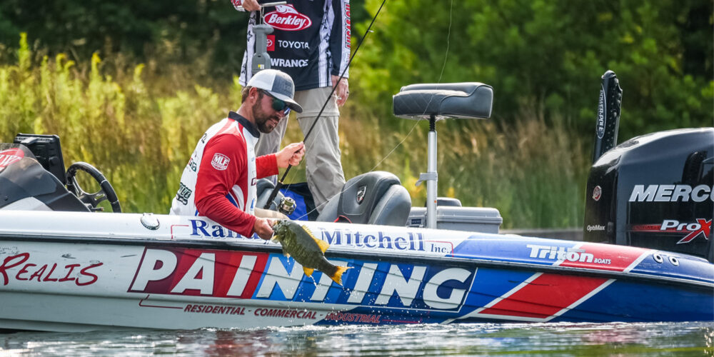 Image for Kurt Mitchell Tops 100 Pounds on Day 1 of FLW TITLE