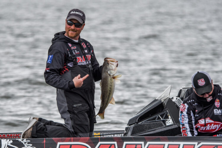 Image for Thrift Leads on Day 1 of REDCREST 2021 Presented by Old Wisconsin Sausage on Lake Eufaula