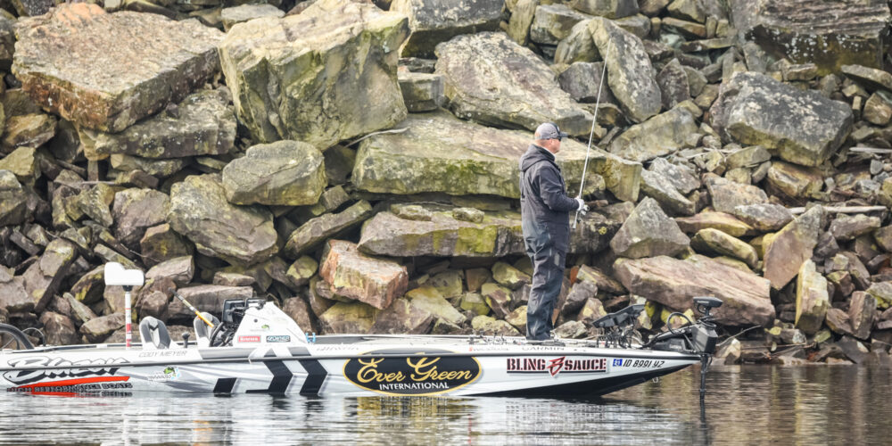 Image for MORNING REPORT: Day 2 Storylines at Smith Lake