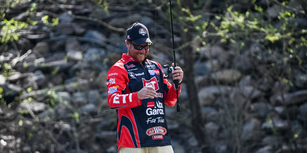 Image for Thrift Frogs His Way to the Top; Coulter Lands 6-14 for Big Bass in Group B