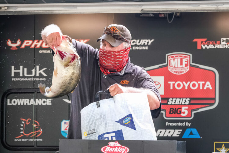 Image for GALLERY: Toyota Series Southwestern Division, Sam Rayburn, Day 1 Weigh-In
