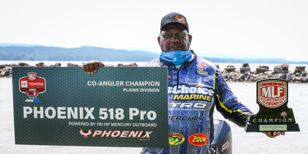 Image for Carter's Kicker Gives Him the Strike King Co-Angler Victory on Dardanelle