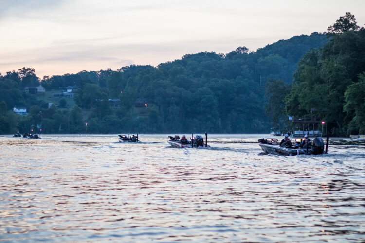 Image for GALLERY: Toyota Series Central Division, Lake Chickamauga, Day 3 Takeoff