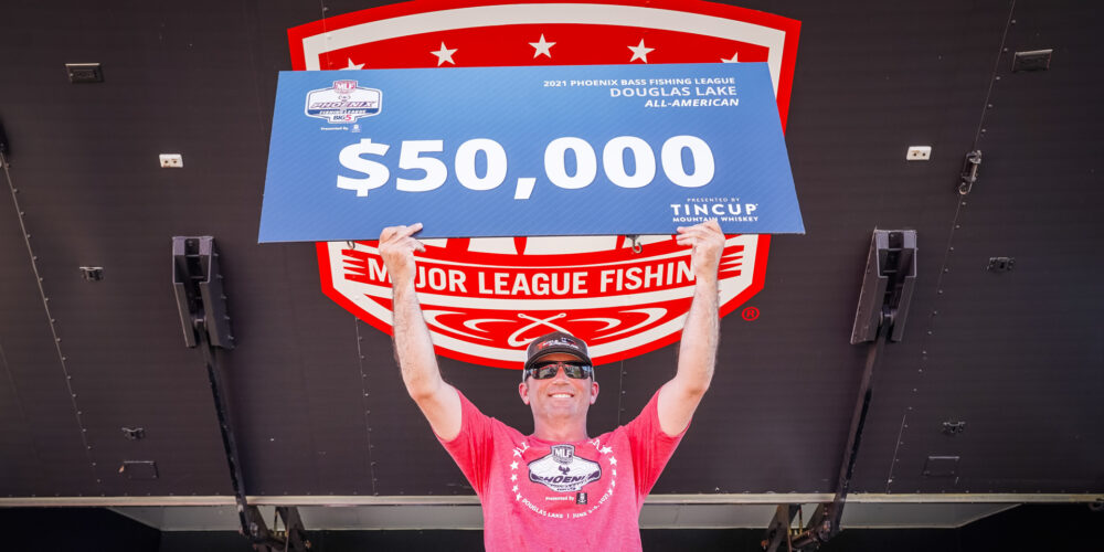 Image for Buswell Becomes First 2-Time All-American Co-Angler Winner