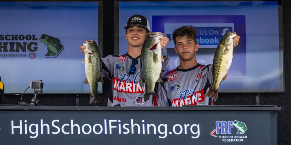 Image for Seagraves and Hooper Lead National Championship on Lake Hartwell