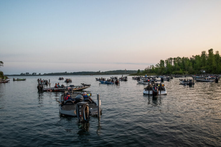 Image for GALLERY: Toyota Series Northern Division, St. Lawrence River, Day 1 Takeoff