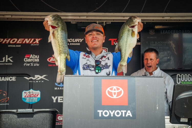 Image for GALLERY: Toyota Series Western Division, Lake Havasu, Day 1 Weigh-In
