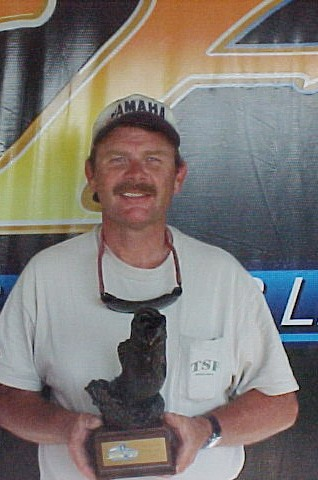 Image for Mayr wins Wal-Mart Bass Fishing League tournament on Potomac River