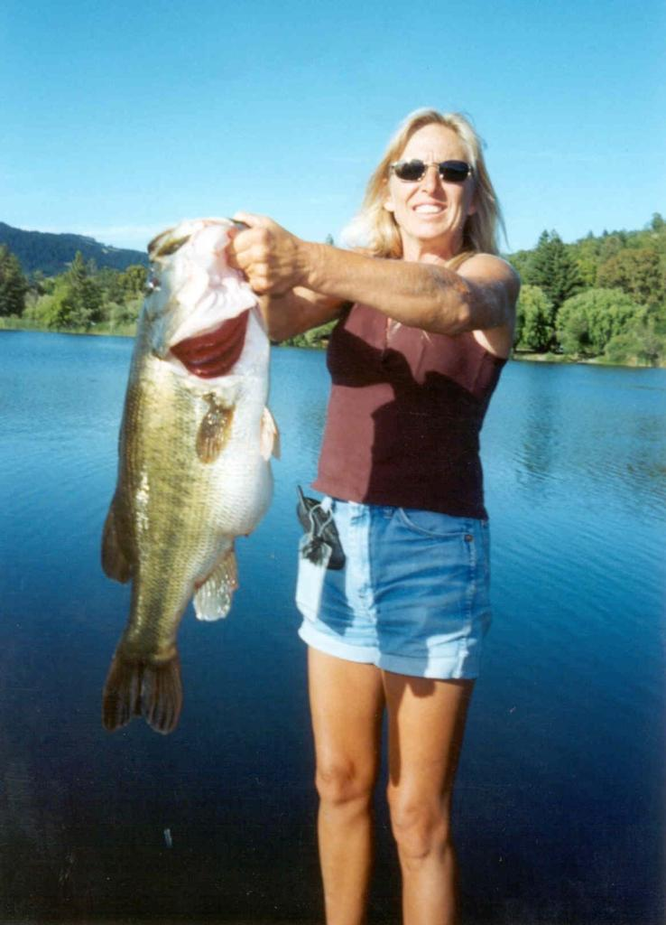 Image for California woman breaks Perry's 71-year-old largemouth record. … Or does she?