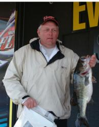 Mike Drain of Purcell, Okla., leads the Co-angler Division with 15 pounds, 2 ounces. This 6-pound, 15-ounce bass also tied him for the big-bass award.