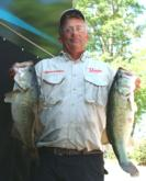 Pro Edward Gettys of Stevenson, Ala., is in third place with 20 pounds, 4 ounces.
