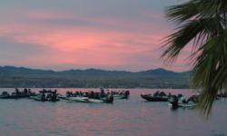 Anglers get ready to kick off the 2006 Western Division on Lake Havasu.