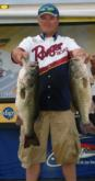 Dan Schoonveld now holds the record for the heaviest day-one catch in Stren Series history.