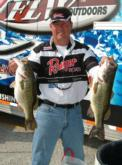 Ronnie Eschete Jr. is the No. 6 pro with 25-4 on day one.