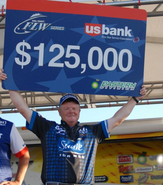 Mark Rose of Marion, Ark., wins the Wal-Mart FLW Series BP Eastern Division event on Pickwick Lake.