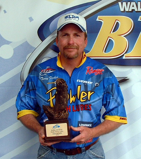 Image for Tucker takes top honors on Neely Henry Lake