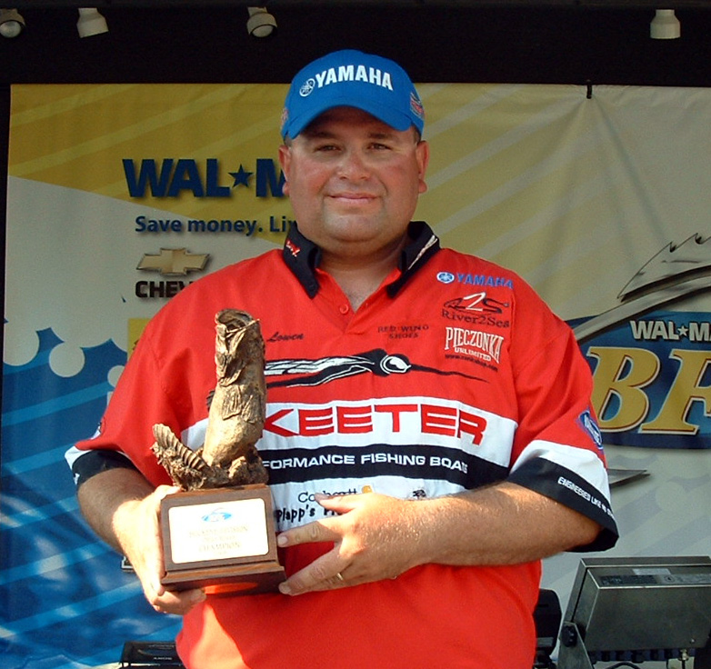 Image for Lowen wins Walmart BFL event on Ohio River