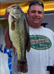 Co-angler Lynn Baciuska Jr. topped his division with a 17-pound, 11-ounce limit and won the Big Bass award.