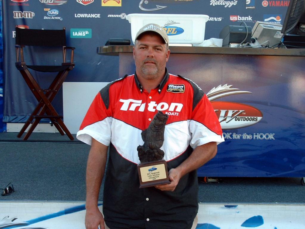 Image for Langston wins Walmart BFL Regional on Lake Norman