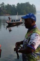 Ishama Monroe gets ready for the final day of FLW Tour competition on Lake Ouachita.