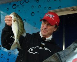 On the strength of a three-day catch of 25 pounds, 8 ounces, pro Charley Almassey of Oakley, Calif., managed a fifth-place finish at the EverStart Lake Shasta event.