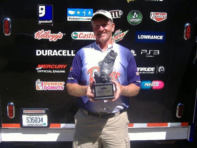 Image for Meckes wins on Lake Cayuga