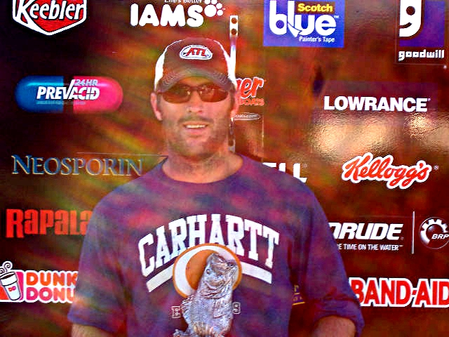 Image for Botts wins Walmart BFL tourney on Lake Russell