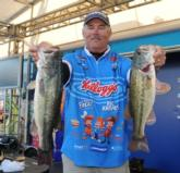 Kellogg's pro Jim Tutt of Longview, Texas, checked in 14 pounds, 3 ounces today to move into fifth place with a three-day total of 40 pounds, 14 ounces.