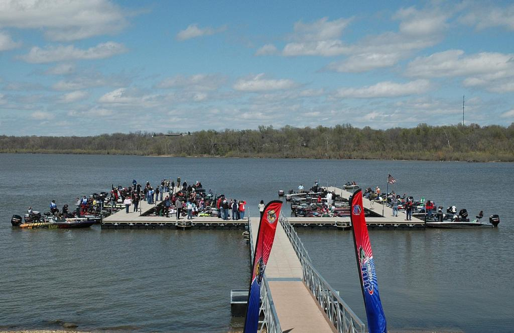 Image for Robinson grabs lead at 2013 TBF National Championship
