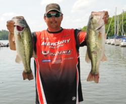 Local TVA pro William Davis of Sheffield, Ala., shares the second place spot with five bass for 20 pounds, 6 ounces.