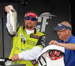 JT Kenney of Palm Bay, Fla., brought in a closing round limit of 17 pounds, 4 ounces to finish runner-up with a three-day total of 54 pounds, 14 ounces.