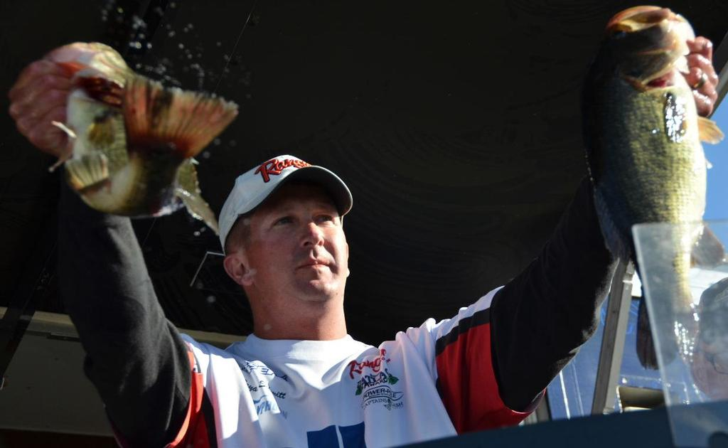 Image for Schmitt surges to victory