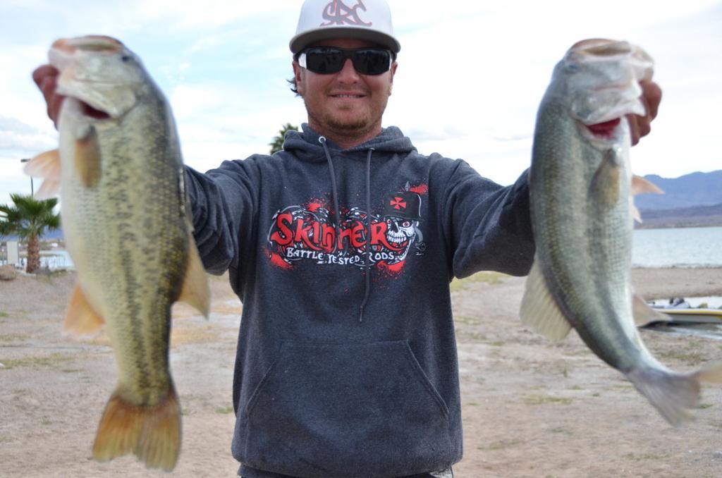 Image for Skinner widens lead on Lake Havasu