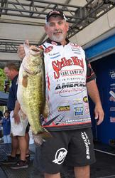 Fifth-place pro Keith Amerson holds up an Okeechobee giant.