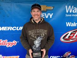 Co-angler Ed Daniell of West Frankfort, Ill., won the March 1 LBL Division event on Kentucky/Barkley lakes with a 21-pound, 11-ounce limit. For his efforts, Daniell walked away with over $2,300.