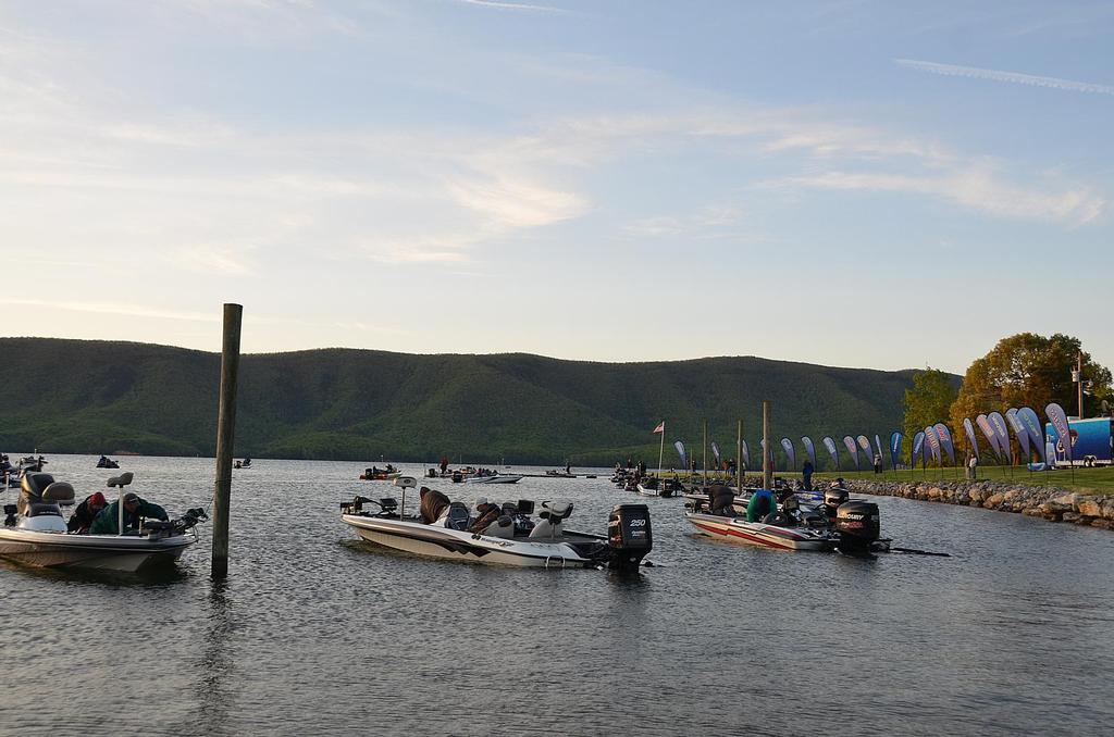 Image for FLW College Fishing set for Smith Mountain