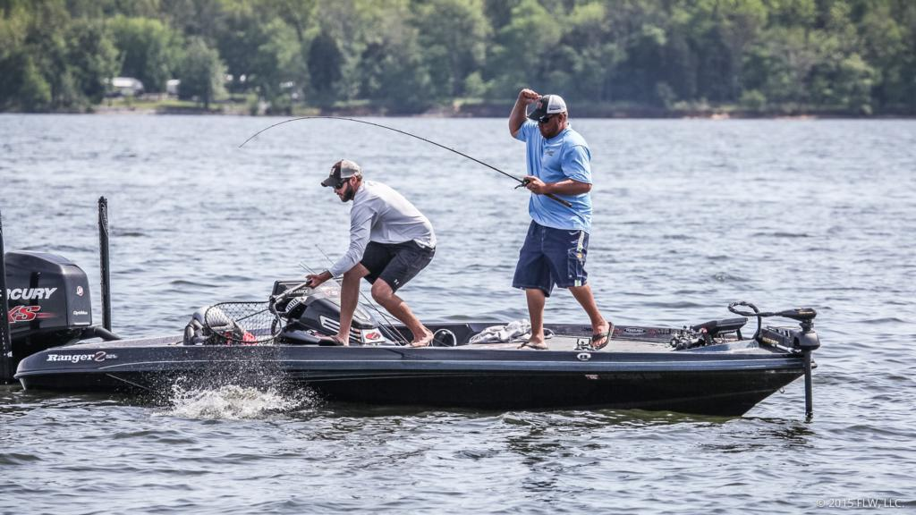 Image for Kentucky Lake Rayovac Midday Report: Day One