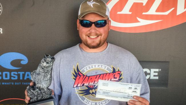 Co-angler Mark Denney won the April 2 Bulldog Division event on Lake Sinclair with a 20-pound limit to claim over $2,200 in prize money.