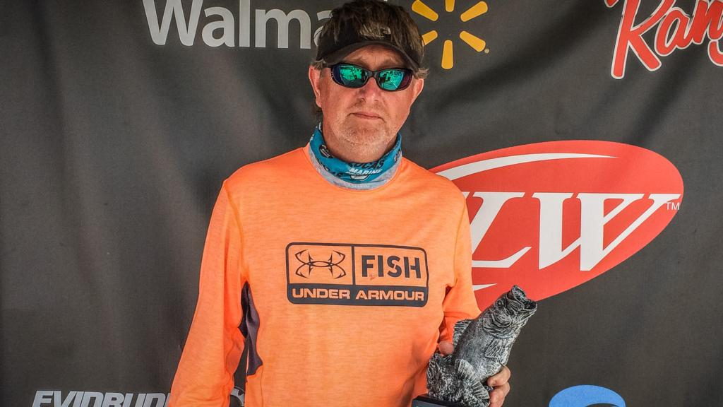 Image for Armstrong Rotates Baits for Win