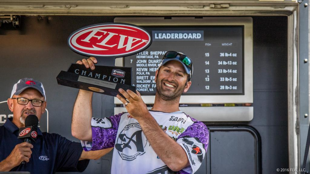 Image for New York's Smith wins Costa FLW Series Northern Division Opener on Potomac River Presented By Plano