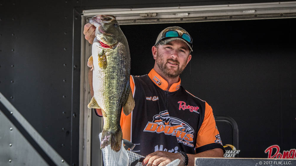 Image for Smith Widens Clear Lake Lead