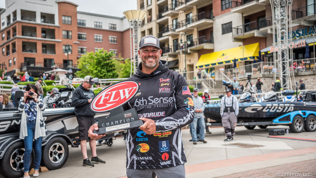 Image for Olliverson Triumphs on Table Rock