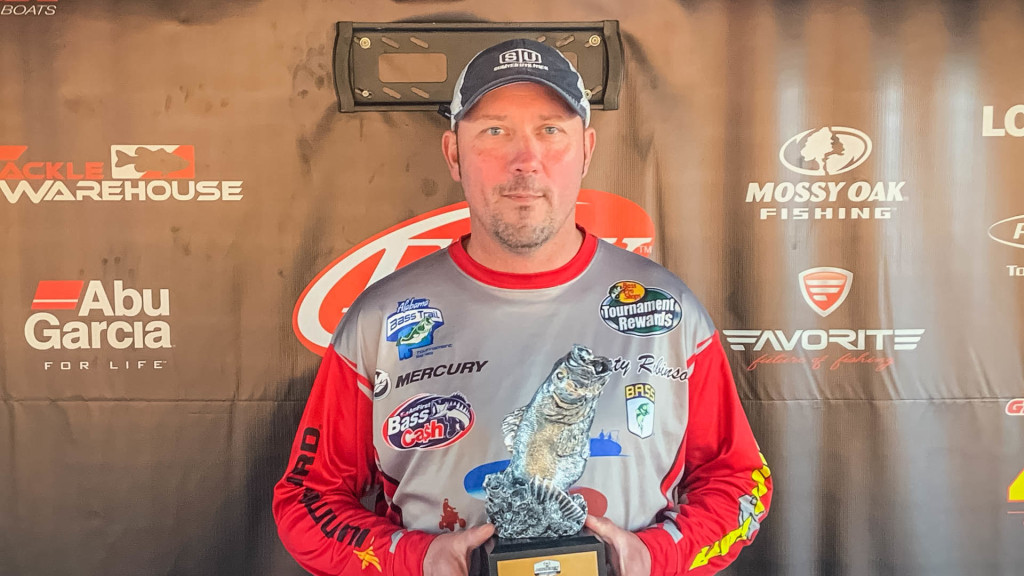 Image for Eclectic's Robinson Wins Phoenix Bass Fishing League Event on Lake Martin