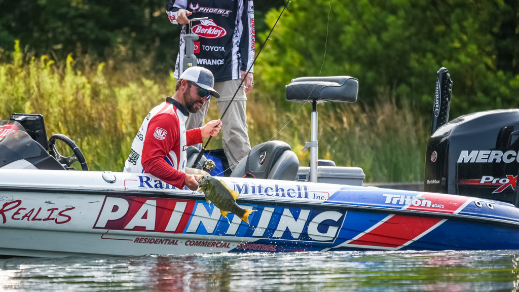 Image for Mitchell Tops 100 Pounds on Day 1